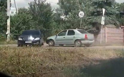 Kad se Logan zabije u S-klasu: Snimak sudara namještenog u cilju prevare osiguravajućih kuća [Video]