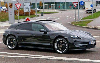 Pretproizvodni prototip električnog modela Porsche Taycan Cross Turismo u završnoj fazi testiranja najavljuje da uskoro kreće u proizvodnju