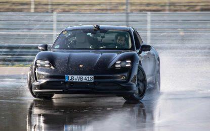Porsche Taycan udriftao u Guinnessov rekord [Galerija i Video]