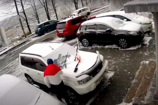 rusija-nesreca-snijeg-2020-11-proauto-01