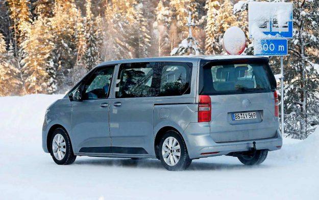 volkswagen-t7-multivan-spy-photo-winter-test-sweden-2021-proauto-04