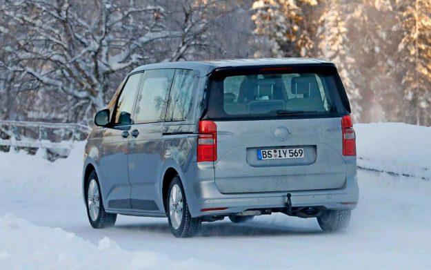 volkswagen-t7-multivan-spy-photo-winter-test-sweden-2021-proauto-05