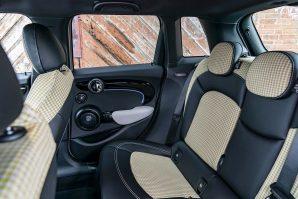 mini-cooper-s-5-door-facelift-2021-proauto-08