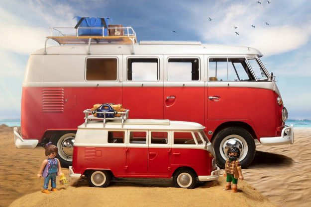 volkswagen-bulli-camper-vw-t1-camping-bus-igracka-playmobil-2021-proauto-03