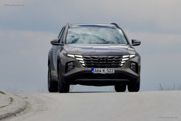 test-hyundai-tucson-1-6-t-gdi-4wd-htrack-7dct-shift-by-wire-luxury-2021-proauto-001