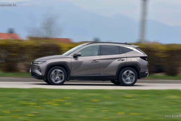 test-hyundai-tucson-1-6-t-gdi-4wd-htrack-7dct-shift-by-wire-luxury-2021-proauto-021