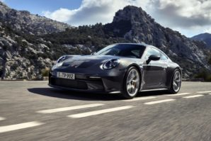 Porsche 911 GT3 – Touring package za puriste [Galerija]