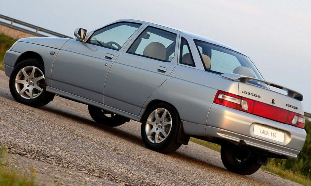 6. Lada 2110 (1997) / Rusija