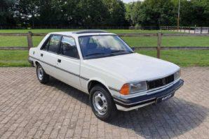 Oldtimer nedjelje: Peugeot 305 s pređenih 26.421 kilometara [Galerija]