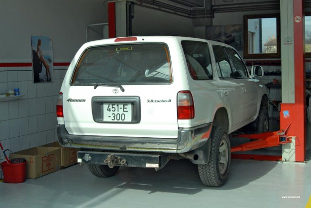 polovni-toyota-4runner-proauto-03