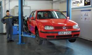 Održavanje polovnog Volkswagena Golfa IV 1.4 16v (75 KS), 1.6 8v (102 KS), 1.9 SDI (68 KS) i 1.9 TDI (90 KS)