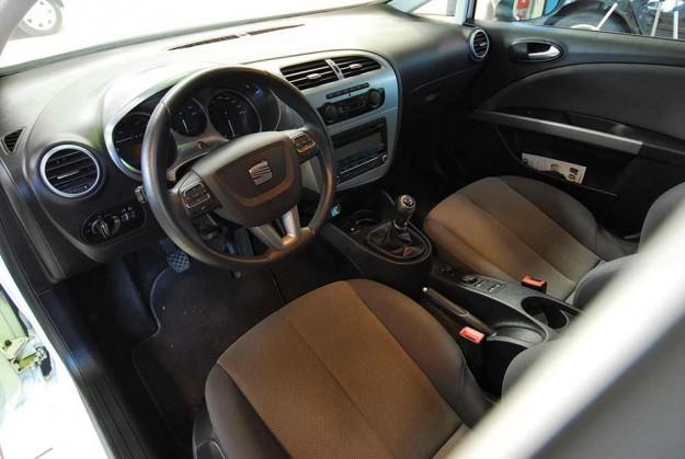 polovni-seat-leon-2013-proauto-02