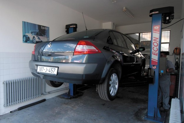 polovni-renault-megane-sedan-ii-halilovic-2011-proauto-10