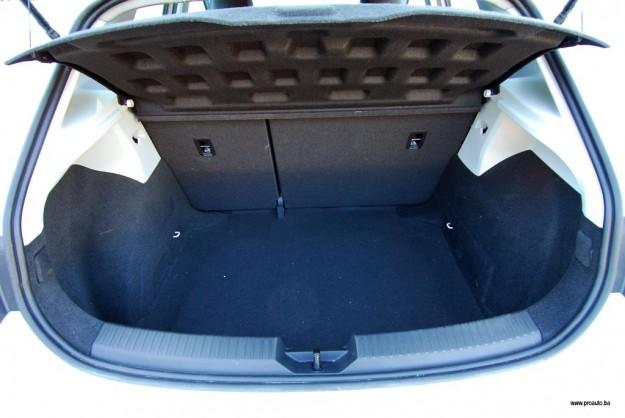 test-seat-leon-style-16-tdi-cr-connect-2015-proauto-16