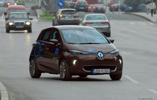 Vozili smo električni automobil – Renault Zoe Intens Q210