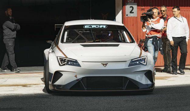 cupra-e-racer-for-etcr-2018-proauto-01