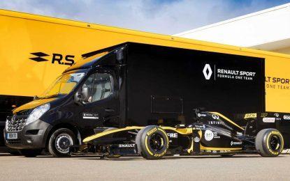 Renault Master za prevoz bolida Formule 1 [Galerija]