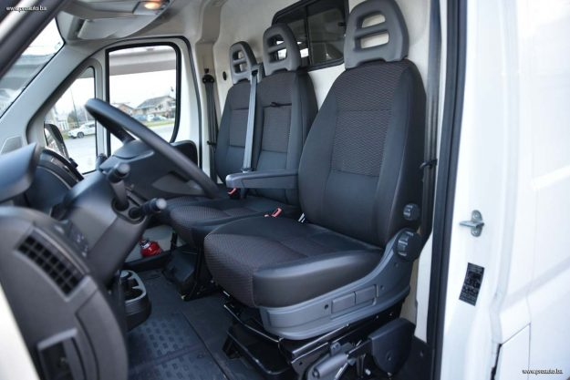 test-peugeot-boxer-furgon-confort-pack-435-l4h3-20-bluehdi-130-e6-2018-proauto-59