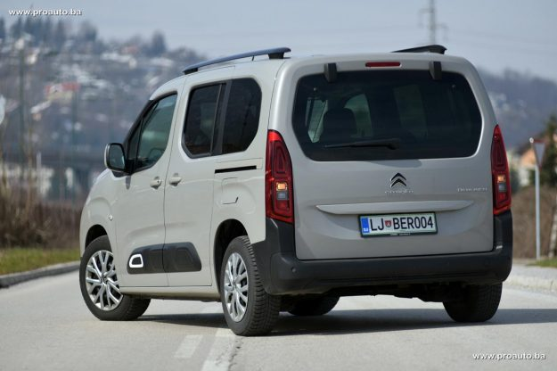 test-citroen-berlingo-feel-m-15-bluehdi-100-bvm5-2019-proauto-20
