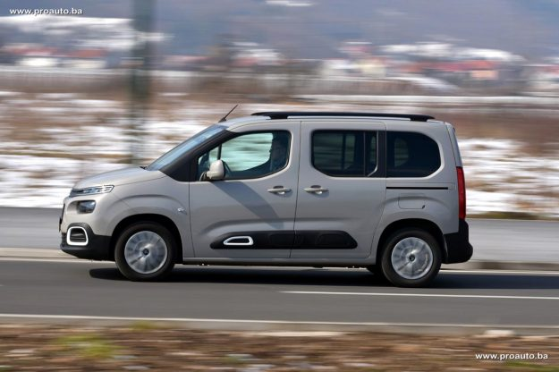 test-citroen-berlingo-feel-m-15-bluehdi-100-bvm5-2019-proauto-32