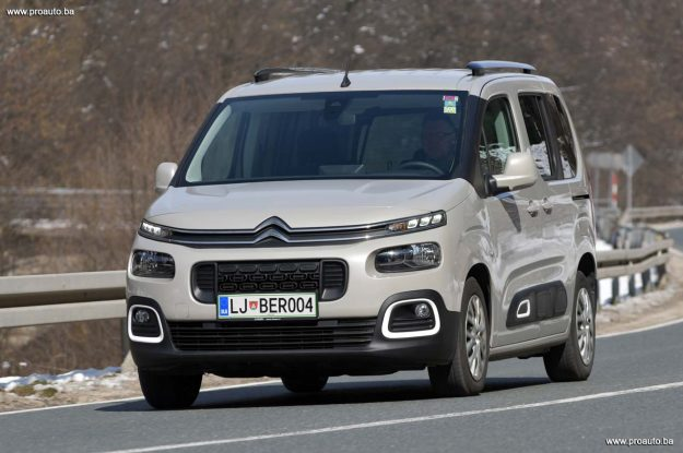 test-citroen-berlingo-feel-m-15-bluehdi-100-bvm5-2019-proauto-85