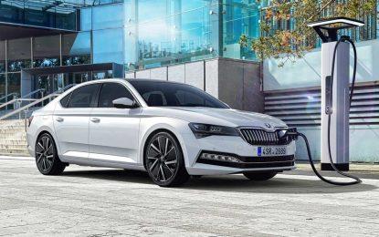 Škoda Superb iV, prvi proizvodni model ovog proizvođača sa plug-in hibridnim pogonom stiže na tržištu početkom naredne godine [Galerija i Video]