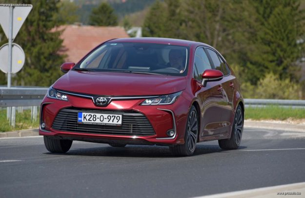 test-toyota-corolla-sedan-16-mt6-sol-tech-2019-proauto-59