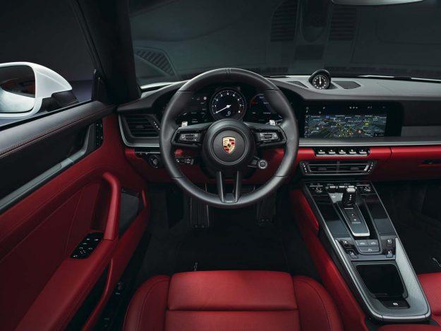porsche-911-carrera-coupe-i-porsche-911-carrera-cabriolet-2019-proauto-02
