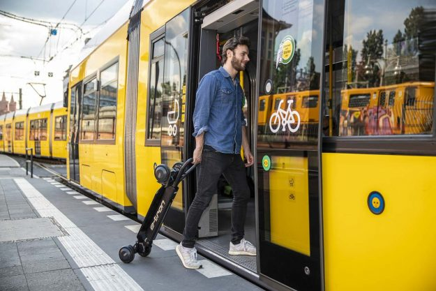 audi-e-tron-scooter-e-scooter-2019-proauto-03
