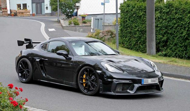 porsche-718-cayman-gt4-rs-spy-photo-2019-proauto-02