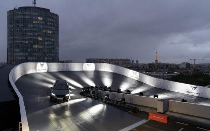 Cupra – vožnja na pariškim krovovima