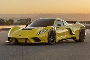 hennessey-with-1817-hp-venom-f5-fury-v8-engine-trolls-bugatti-2019-proauto-04