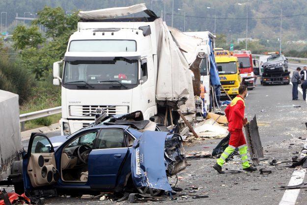 kamioni-volvo-trucks-50-godina-istrazivanja-saobracajnih-nesreca-2019-proauto-03