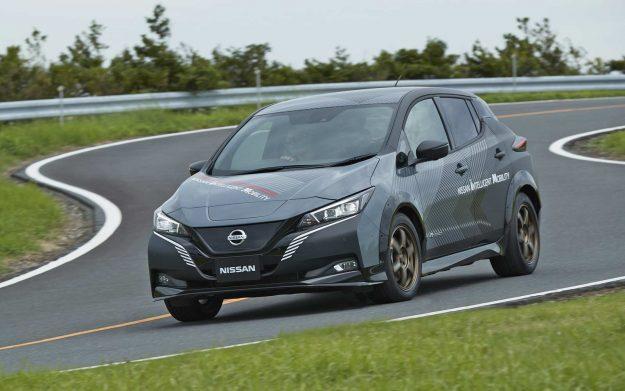 nissan-ev-test-car-nissan-leaf-dual-electric-motors-2019-proauto-06