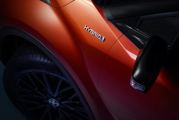 toyota-c-hr-hybrid-facelift-2019-proauto-05