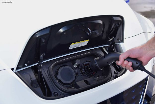 test-nissan-leaf-40-kwh-n-connecta-2019-proauto-39