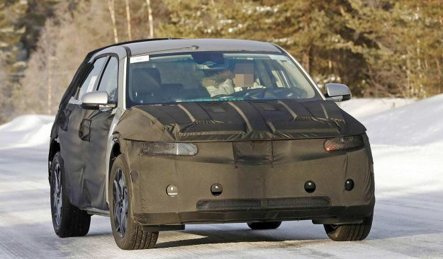 hyundai-45-ev-winter-test-spy-photo-2020-proauto-01