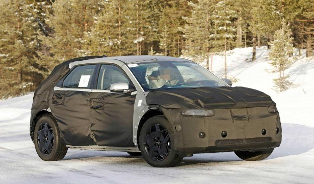 hyundai-45-ev-winter-test-spy-photo-2020-proauto-02