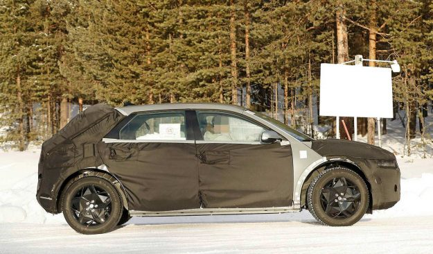 hyundai-45-ev-winter-test-spy-photo-2020-proauto-03