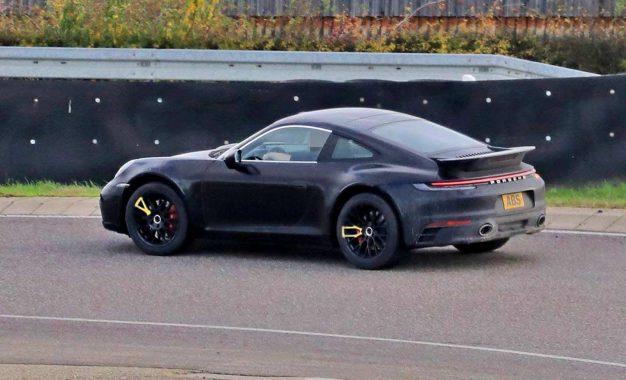Da li će Porsche proširiti ponudu sa crossoverom?