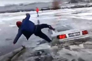 Moldavija: Audi 100 probio led, vozač spašavao živu glavu [Video]