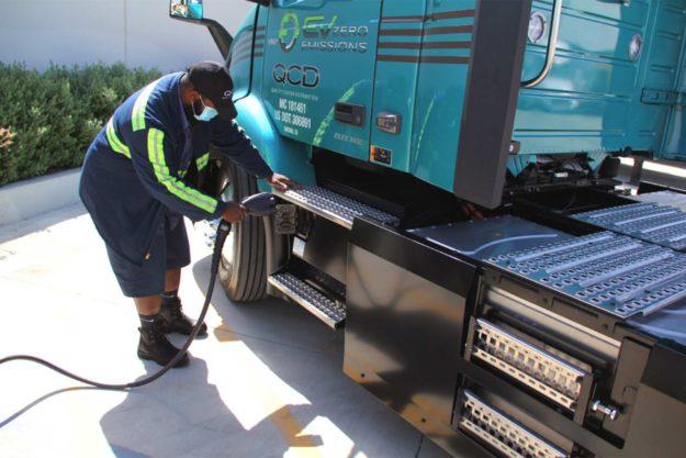 kamioni-volvo-trucks-isporuka-volvo-vnr-electric-qcd-2021-proauto-02