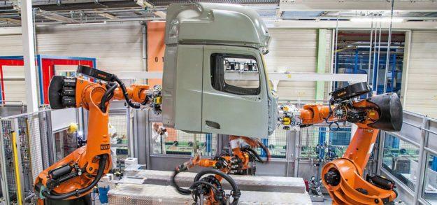 proizvodnja-laka-komercijalna-vozila-kamioni-autobusi-2020-proauto-02-kamioni