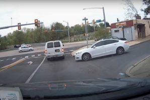 Snimak teške nesreće: Šta se dešava kad slijedite druge vozače [Video]