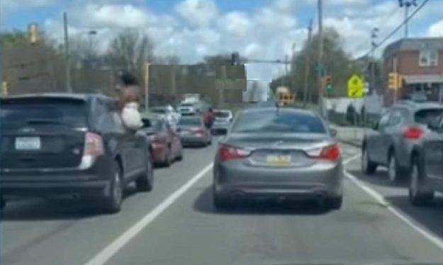 saobracajna-nesreca-hyundai-semafor-philadelphia-usa-2021-proauto-01