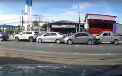 Lančani sudar u gradu: Dešava se svakodnevno, ali rijetko snimi [Video]