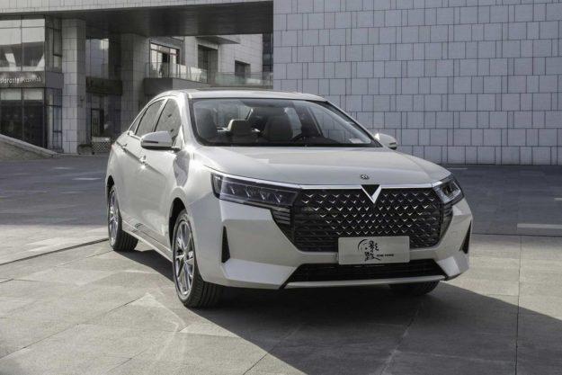 venucia-d60-plus-facelift-china-2021-proauto-02