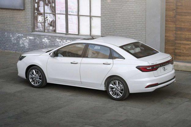 venucia-d60-plus-facelift-china-2021-proauto-03