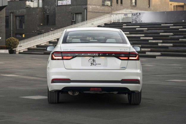venucia-d60-plus-facelift-china-2021-proauto-07