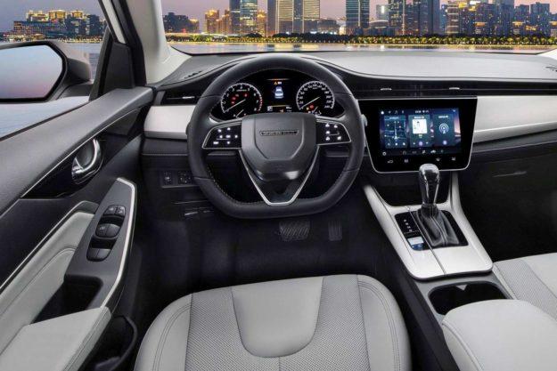 venucia-d60-plus-facelift-china-2021-proauto-12